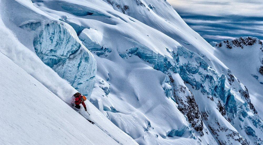 Snowcat Ski and Snowboarding Holiday Offers   LUEX