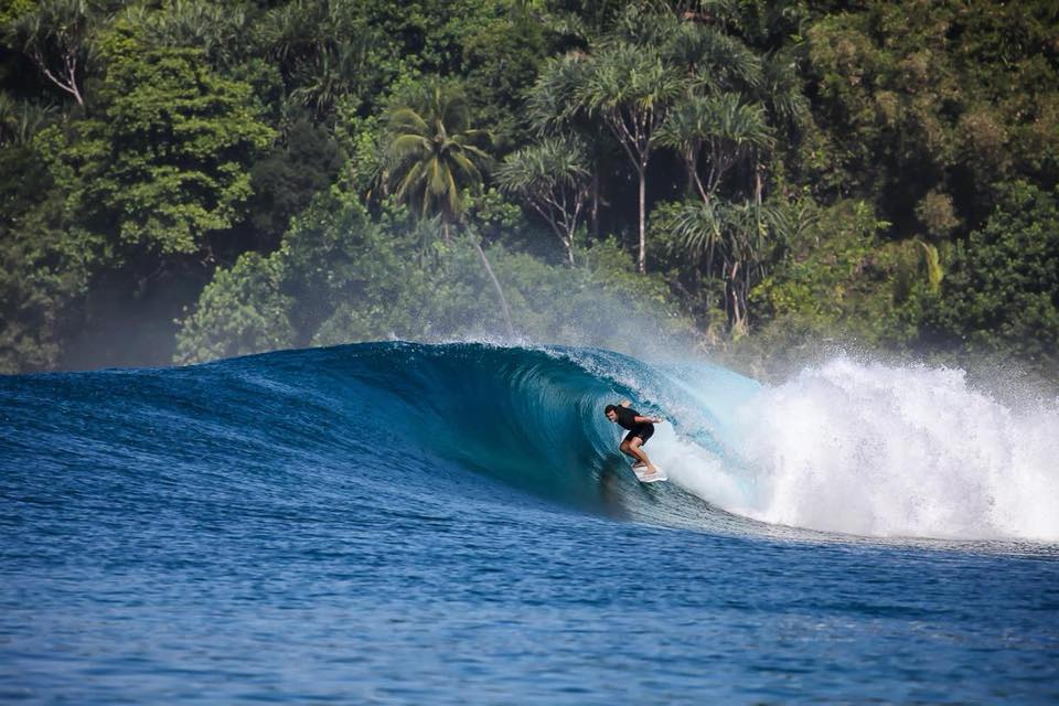 banyak islands surf