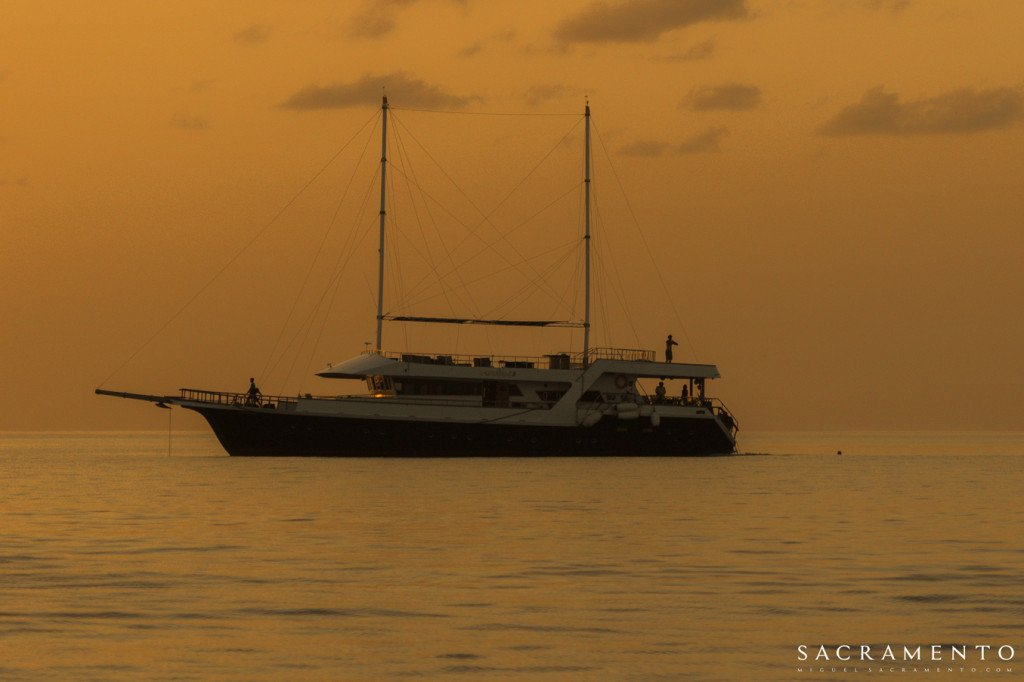 The Gurahahli - one of LUEX's most luxurious boats in the Maldives - looks incredible in the sunset...