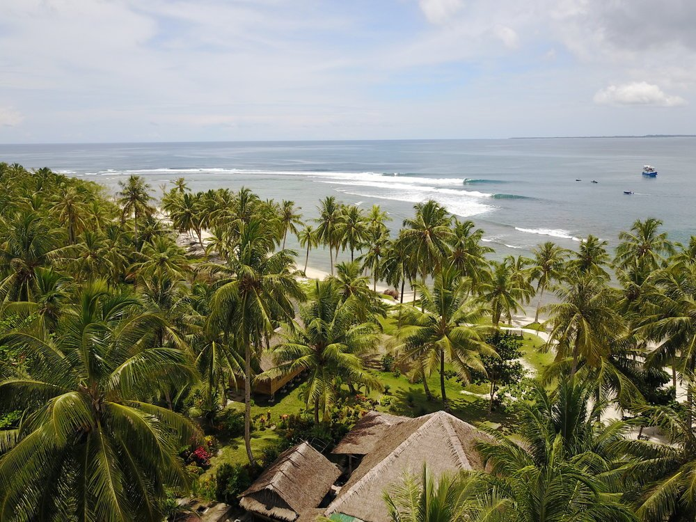 Beachfront location of Kingfisher Mentawai
