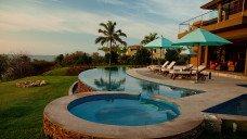 Luxury Surf Villa Lunada