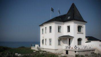 Surf Castle