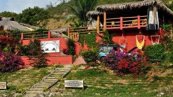 Bungalows La Buena Vida Surf & Stay Ecuador